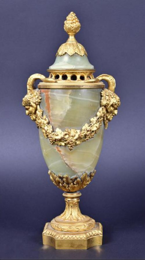 c19th ormulo mounted onyx vase and cover