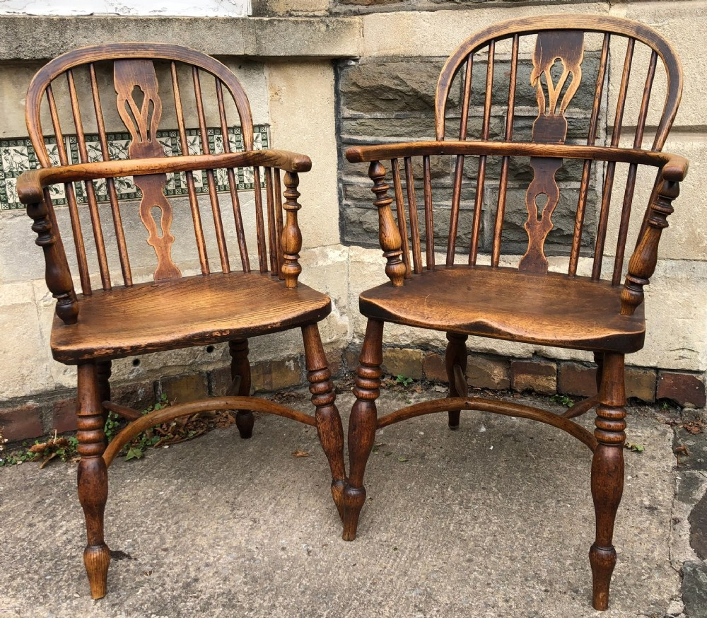 c19th pair of windsor armchairs with crinoline stretchers
